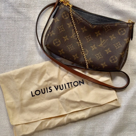 f590b7e434e1 Louis Vuitton Handbags - Louis Vuitton Pallas clutch crossbody